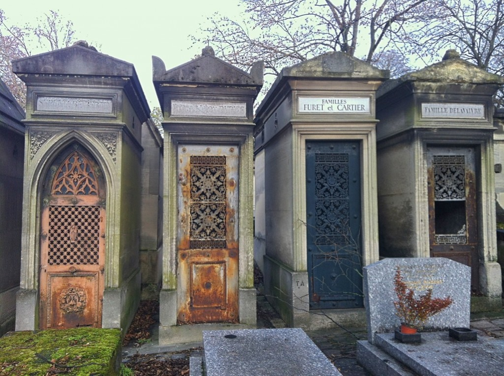 Top Things To Do In Paris - Pere Lachaise Cemetery