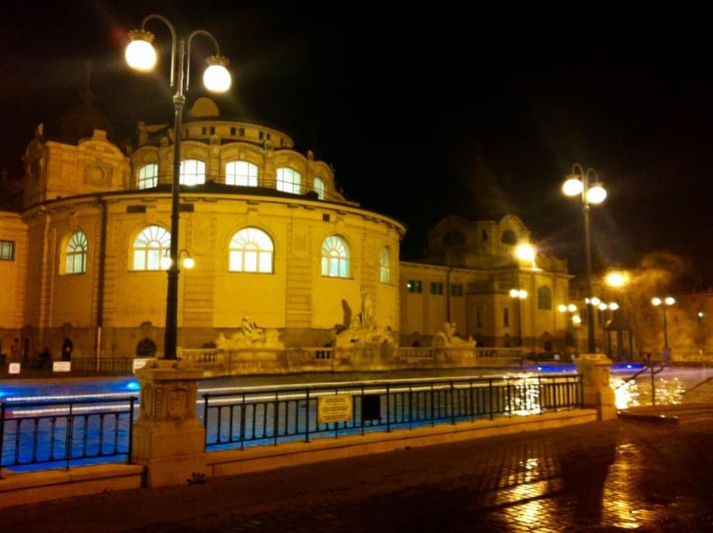 Szecheyni Baths Budapest Winter