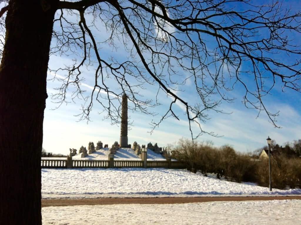 vigelandsparken vigeland sculpture park Norway in March