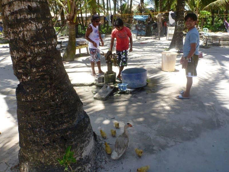 friendly-filipino-locals