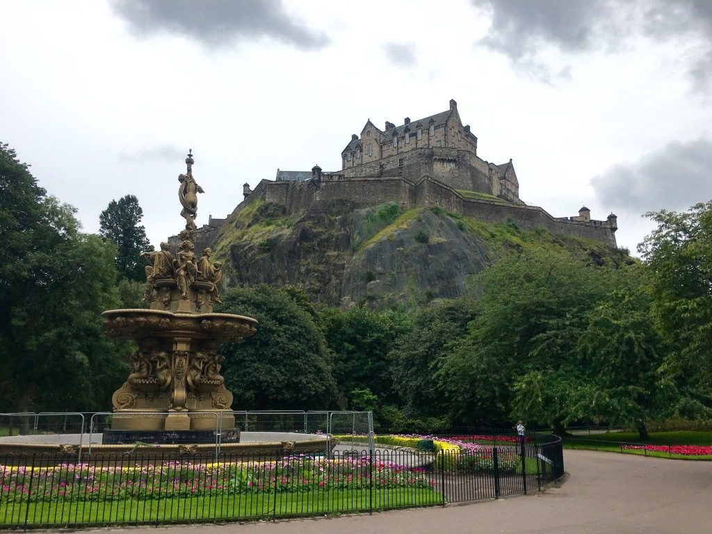 Ultimate Guide to Free Things to Do in Edinburgh And Attractions