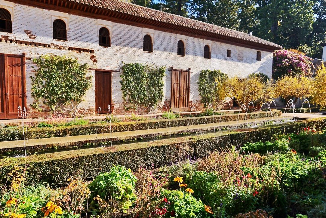 Granada guide how to buy alhambra tickets in advance for Generalife gardens
