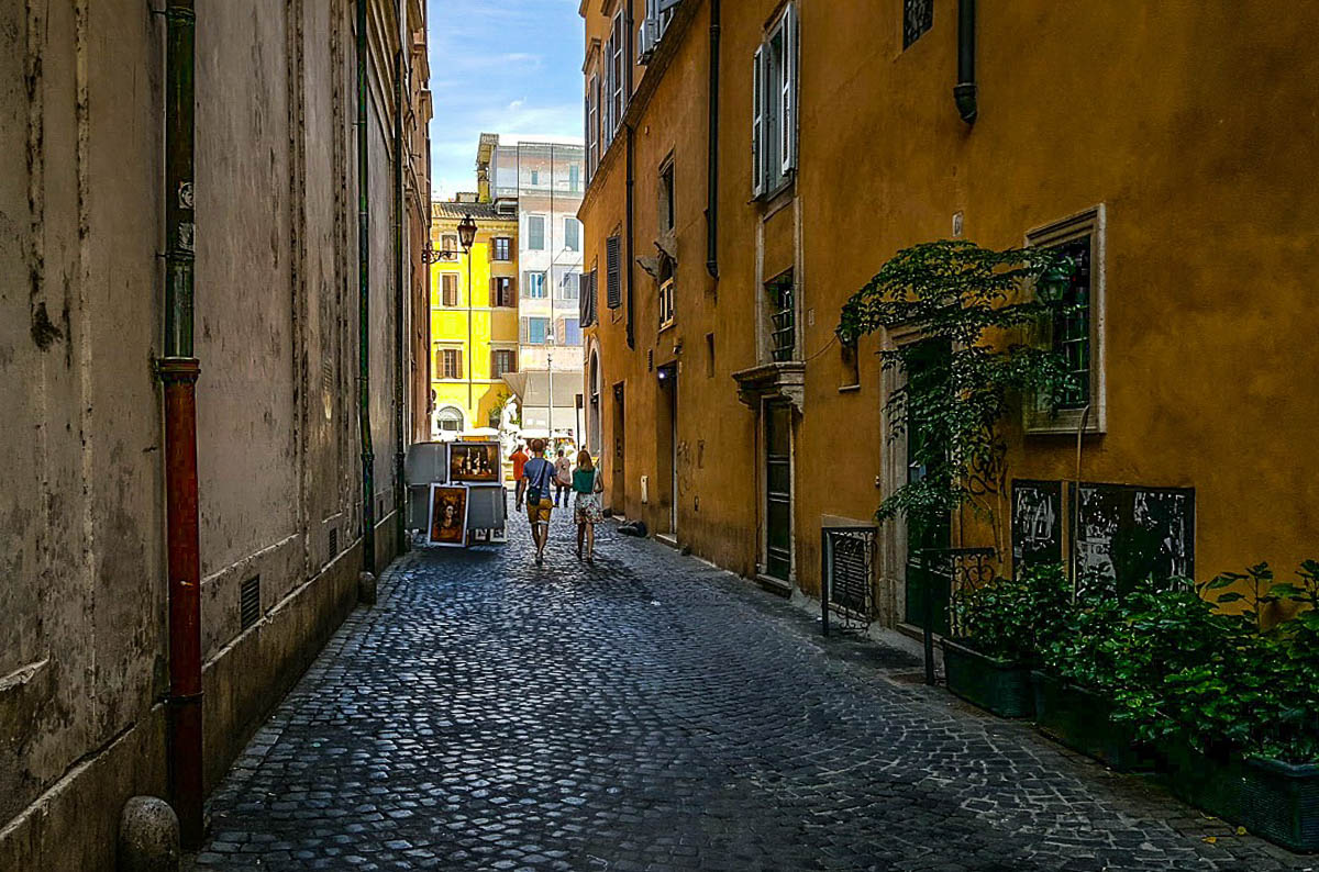Street in Rome - Best hostel for solo travel