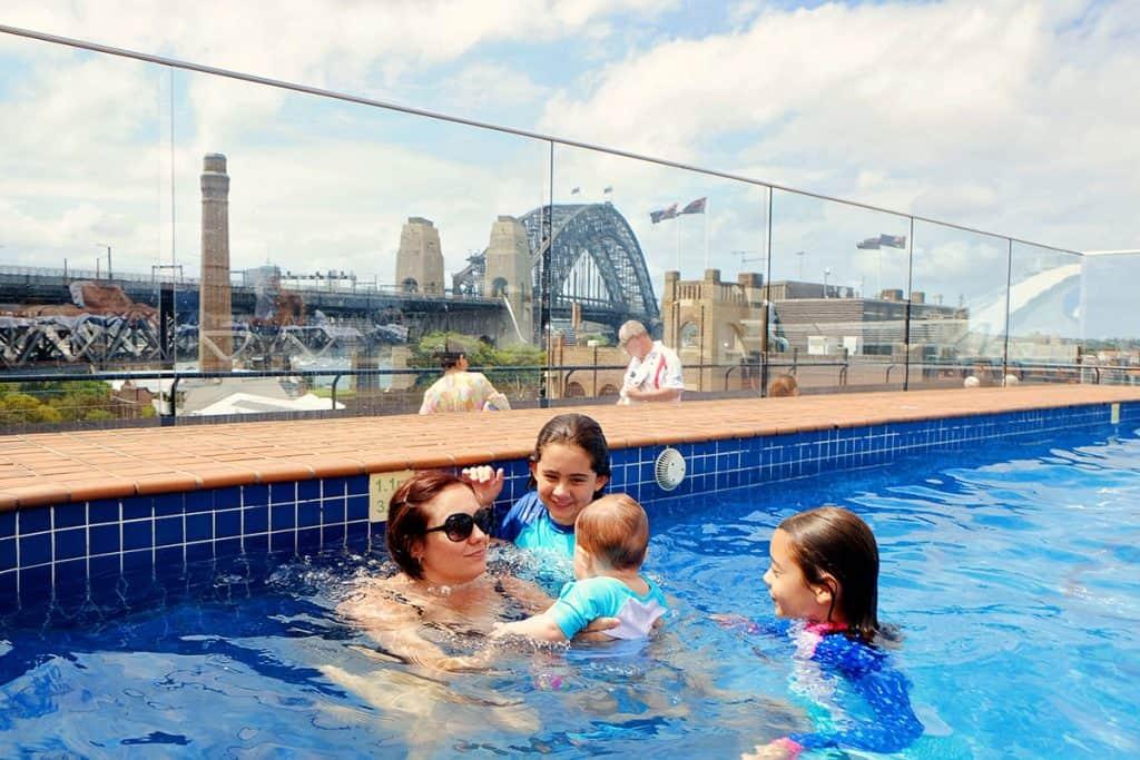 Rooftop Pool Sydney - Holiday Inn The Rocks