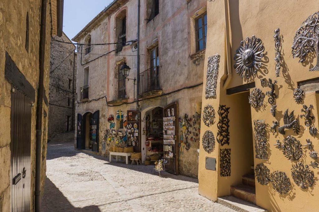 Local Crafts in Besalu, Girona