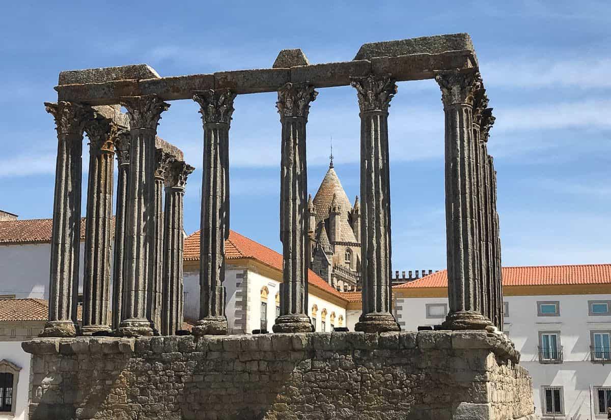 Roman ruins in Evora