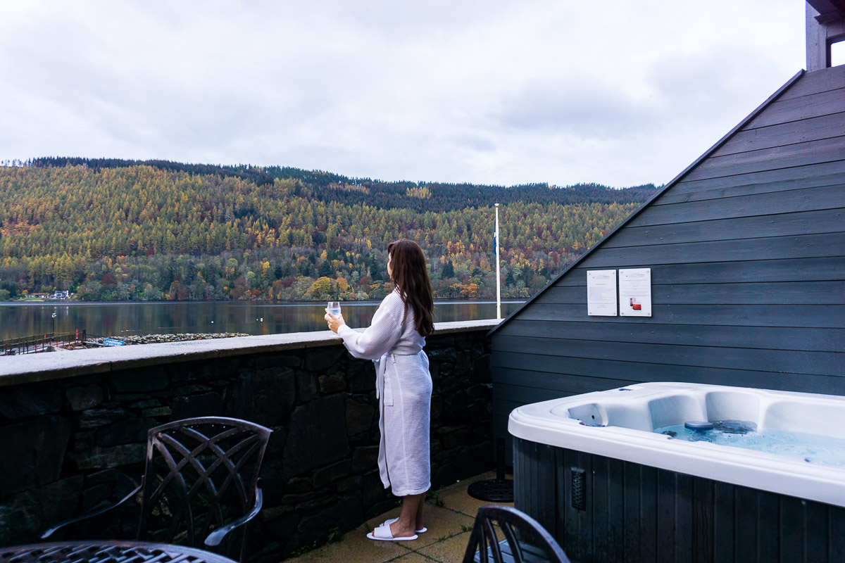 Hot tub overlooking Loch Tay