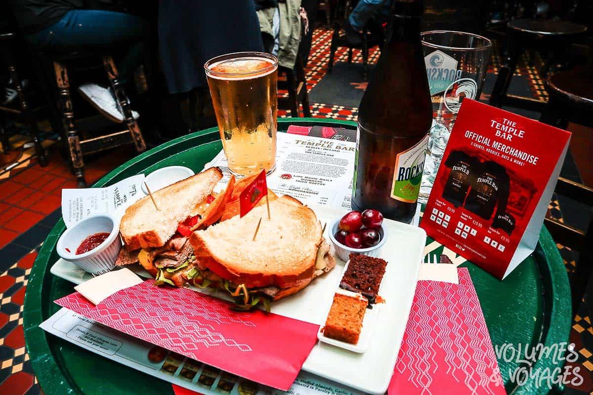 Moving to Dublin - Temple-Bar-Pub-Lunch-Dublin