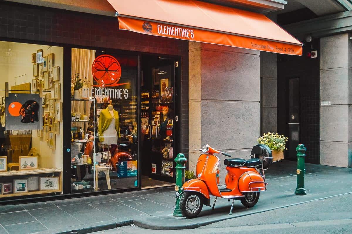 Solo Travel Melbourne-Degraves Street