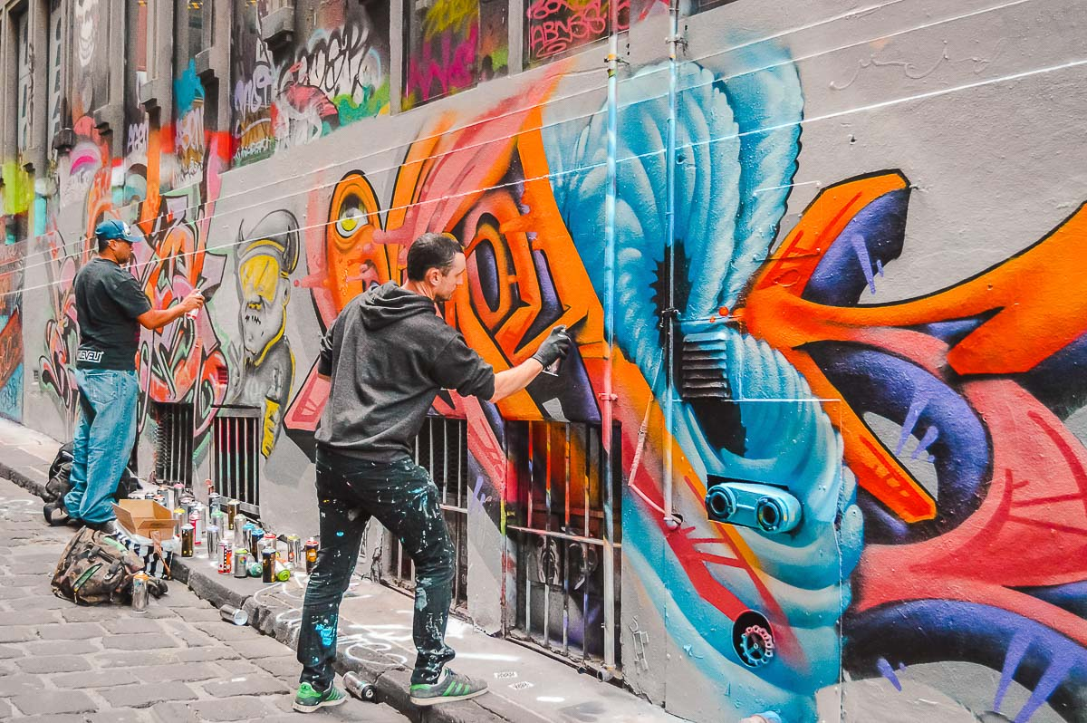 Solo Travel Melbourne-Street artists in Hosier Lane