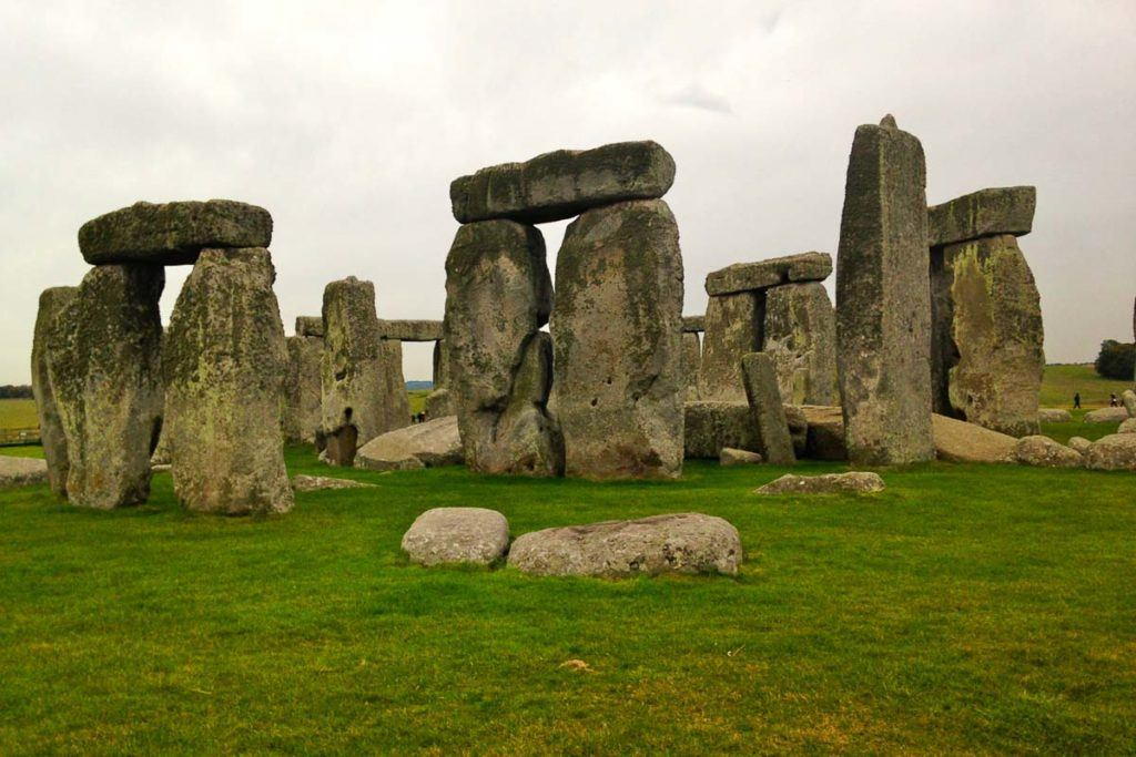 Stonehenge - Things to See in England