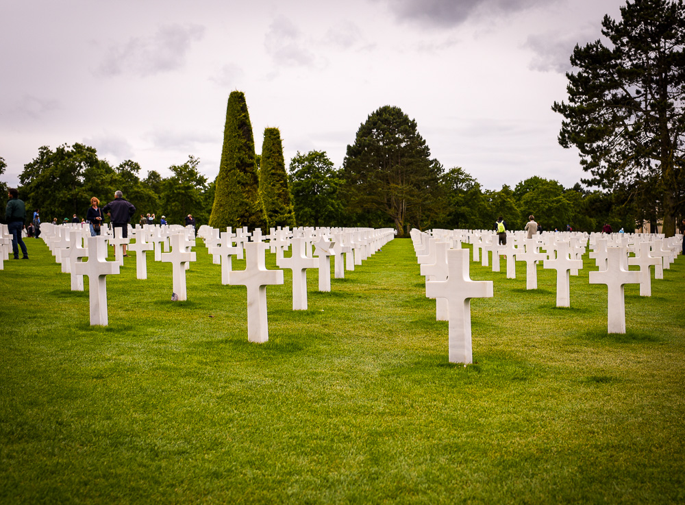 Best road trips in France - Normandy - Crosses at cemetery