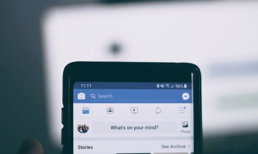 Facebook open on a phone - How to increase blog traffic